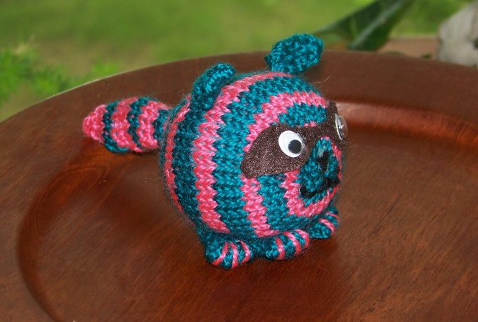 hand knit a Podling raccoon for you