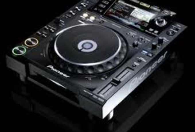 show you the basics of Pioneer CDjs via Skype