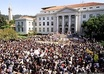 Uc_berkeley_sproul_plaza_students_2_bamn_com