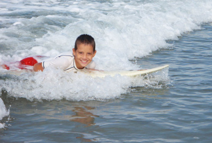 have my son surf a wave while saying your message