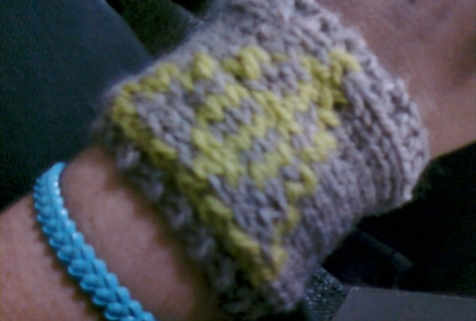 knit you a Deathly Hallows wristband